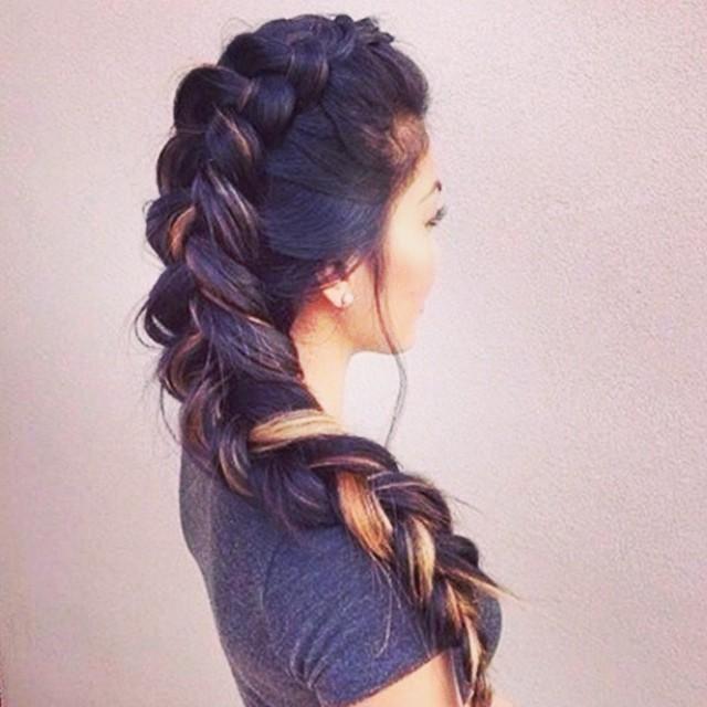 Прически женские на длинные волосы косы